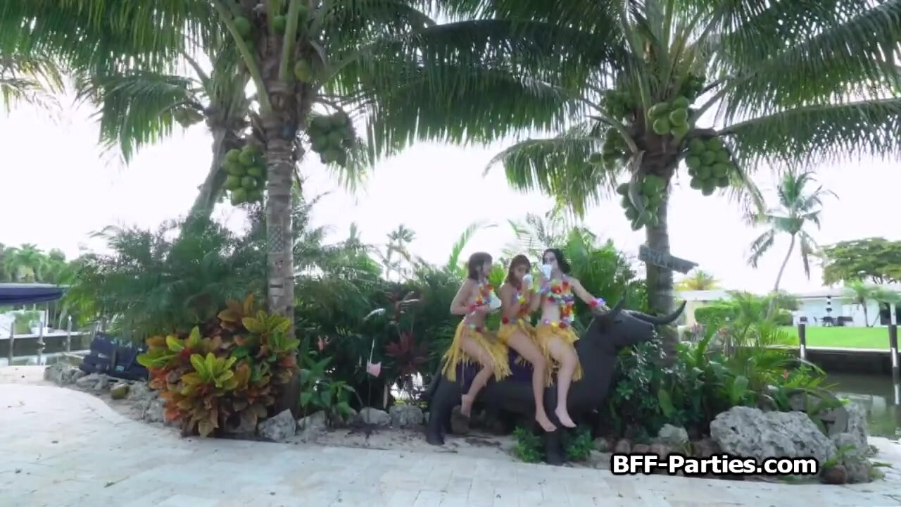 Foursome vacation on Hawaii with slutty girlfriends